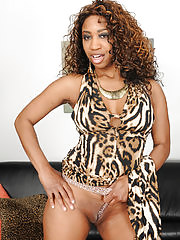 ebony MILF Jade Nicole putting on an exotic striptease