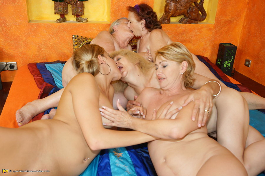 Mature Nl A Very Special Kinky Mature Lesbian Sexparty -8719