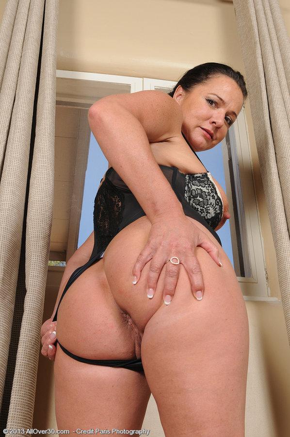 mature hard lond nipples nudede