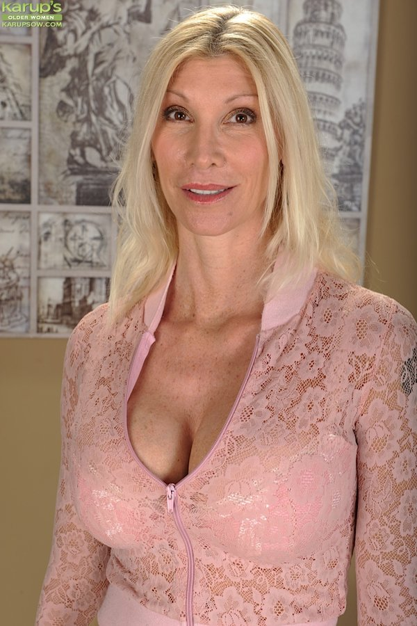 Aged blonde mature Cameo showing off big breasts in close up ...