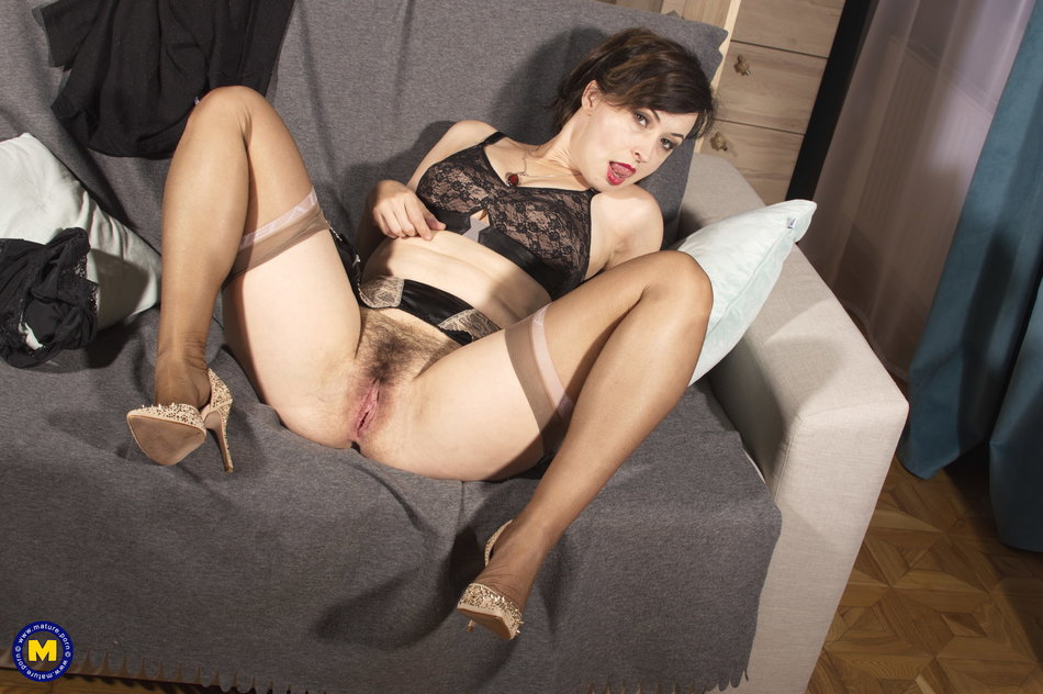Mature NL] Aged mature woman spreading wet pussy while ...
