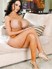 Amy Anderssen rubbing her tight MILF pussy before a hot fuck