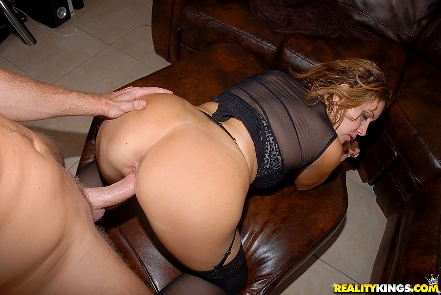 Milf interracial deepthroat