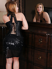 Beautiful Lexi Leigh takes off her corset