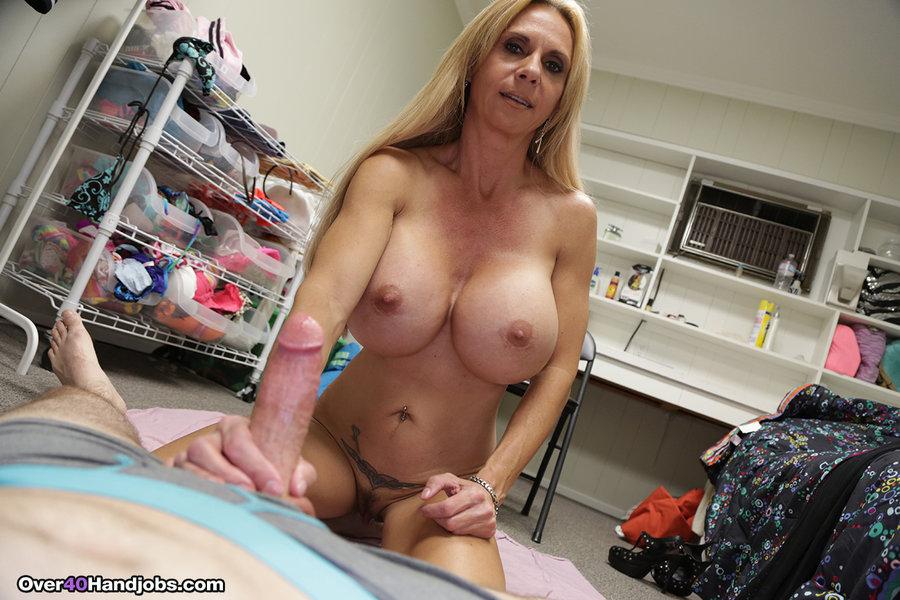 Big Tits Mom Blonde Masturbate