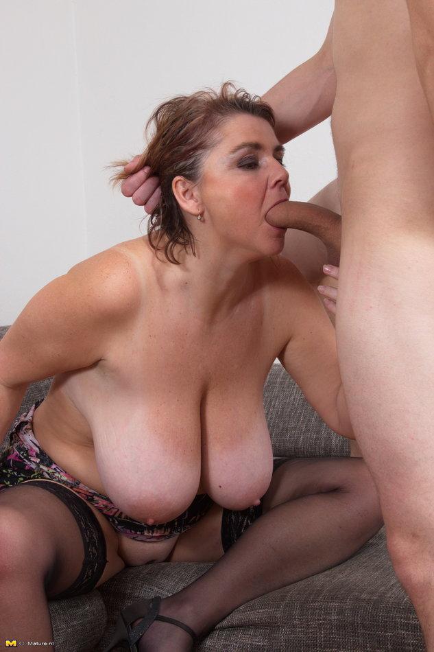 huge naked tits shagging