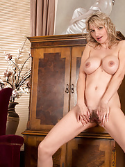 Bigtit milf spreads open her hairy fuck hole to reveal her sweet juices