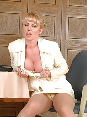 Blonde MILF Louise Hodges gets us all warm