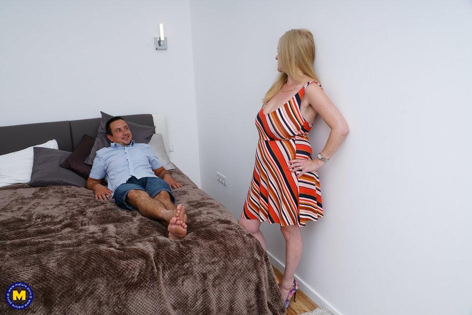 Downloadable pregnant porn tube
