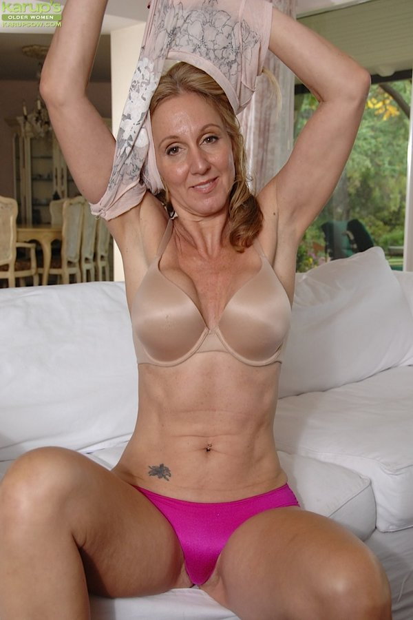 Mature women tubes busty