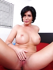 Busty cougar Shay Fox fingers her wet pussy