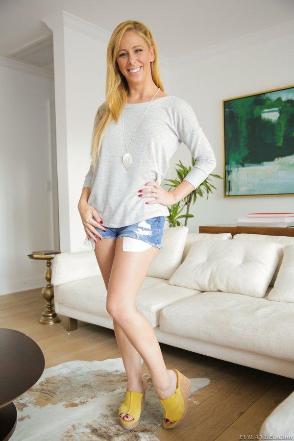 Curvaceous Blonde Milf Interracial - Evil Angel] Busty Curvaceous blonde MILF Cherie DeVille ...