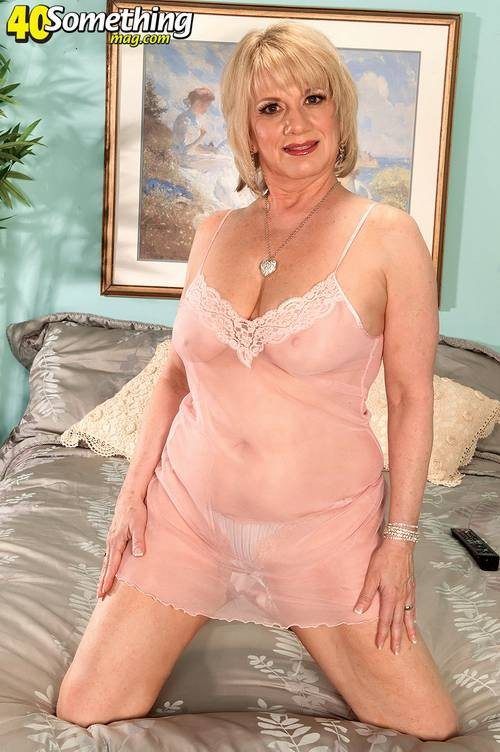 40 Something Mag Busty Granny Showing Her Beauty Body -3678