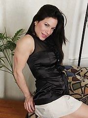 Busty Latin MILF Isabella Rodriquez spreading her pussy