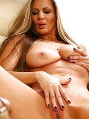 Busty Mature Mercedes Silver Dildos Her Moist Pussy