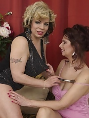 Busty mature woman kissing and having her pussy licked in lesbian action