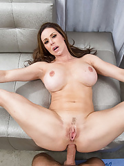Chesty mature pornstar Kendra Lust gets deep anal fucked