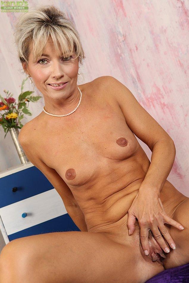 Karups Older Women Country Cougar Janet Darling Tickles -8622