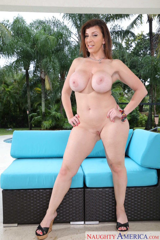 sexy naked pussy laus