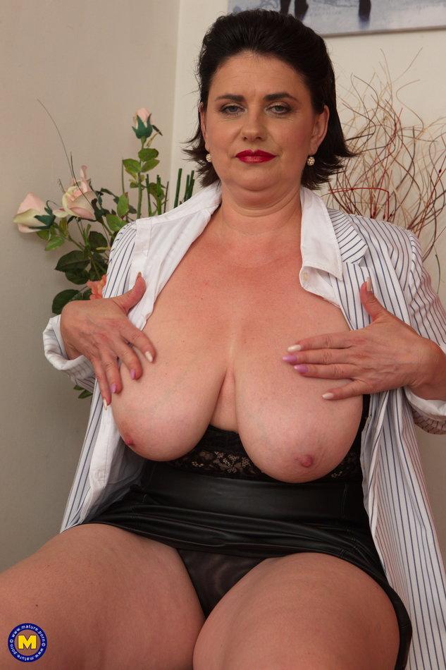 Big naked juggs