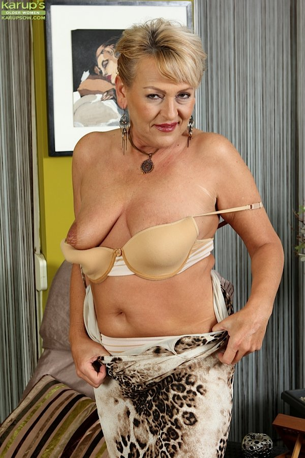 Curvy Nude Older Women