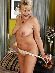 Curvy older wife Andrea strips butt ass naked