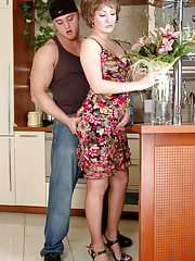 Dazzling mature babe kneeling down for doggystyle fucking with a horny lad