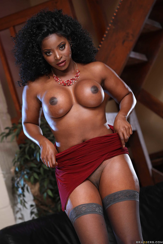 Brown and round tits Brazzers Network Ebony Beauty Jasmine Webb Revealing Perfect Tits And Round Brown Ass Iwantmature Com