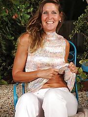 Fantastic LA Valkenberd shows off her stuff outdoors