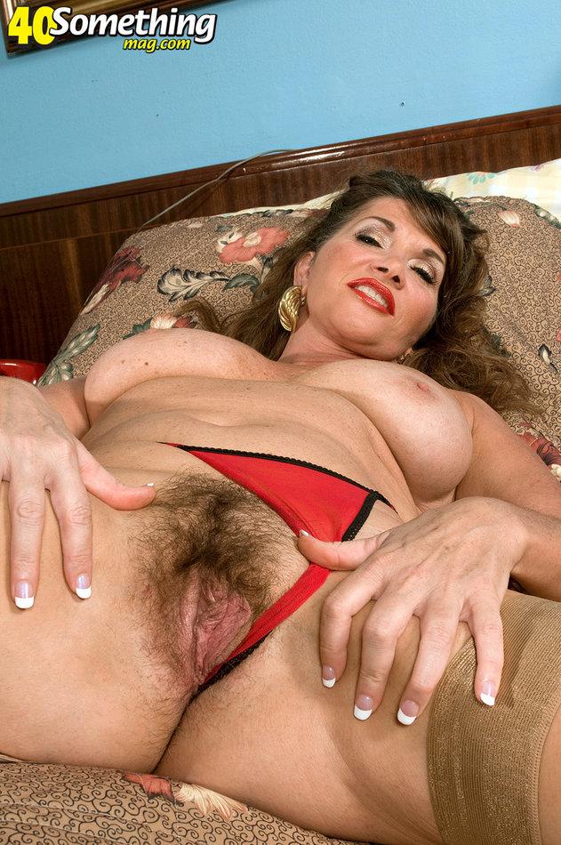 Pregnant nudist
