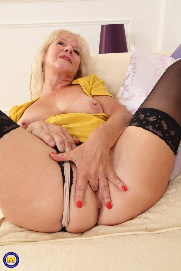 Pussy video 30 s 40 s