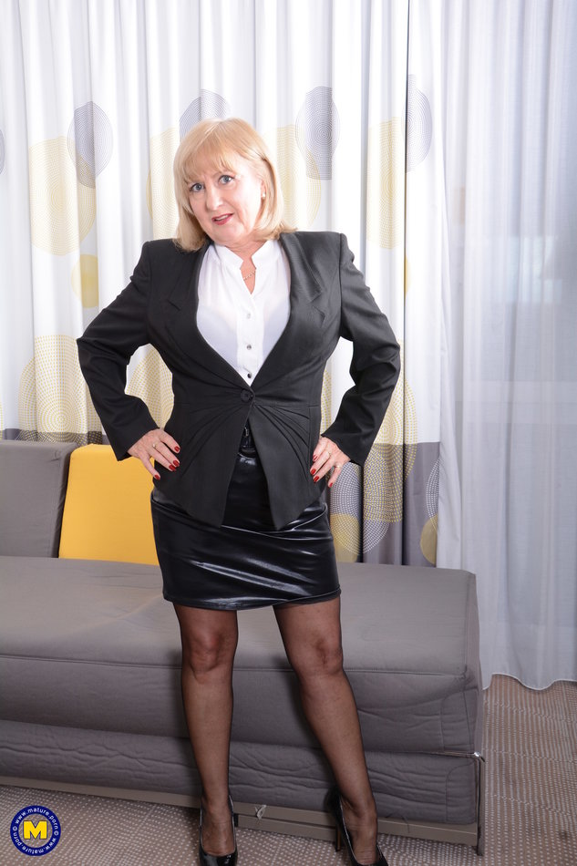 Skirt mature stockings leather