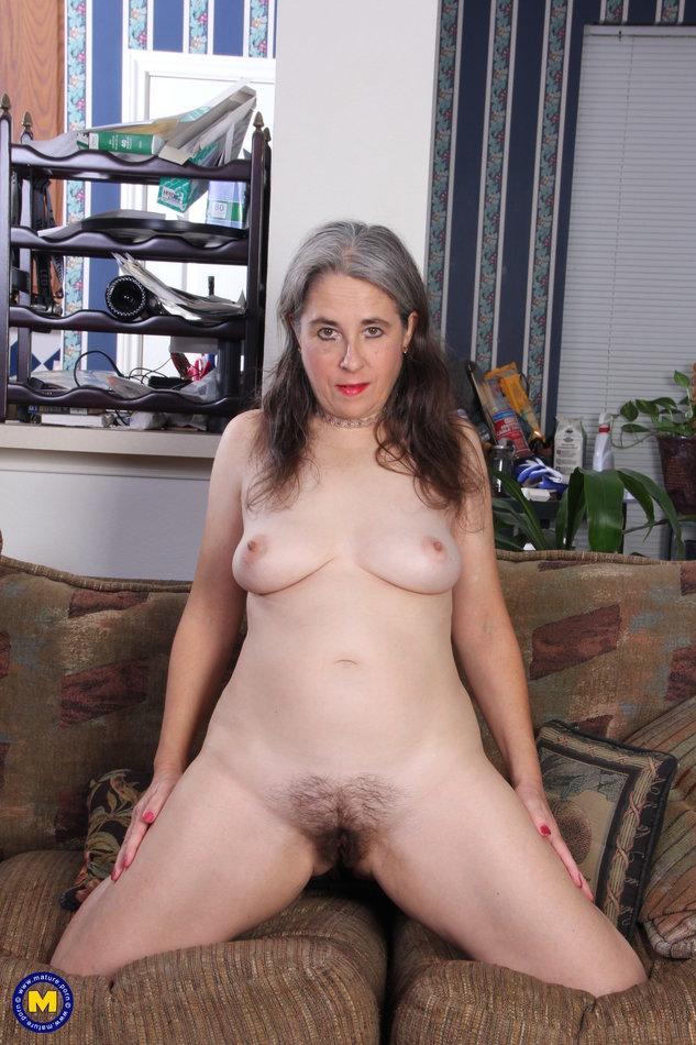 Hairy mature women pantyhose