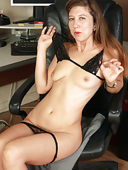 Hairy pussied Valentine opens her legs wide