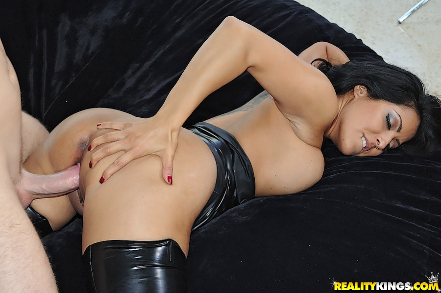 Milf Hunter Hot Ass Milf Vixen Pounded Hard In Her Leather Outfit -3298