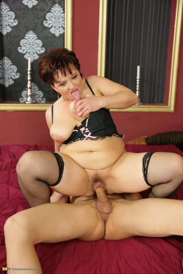 Mature Nl Hot Mama Gets A Warm Anal Creampie -5022