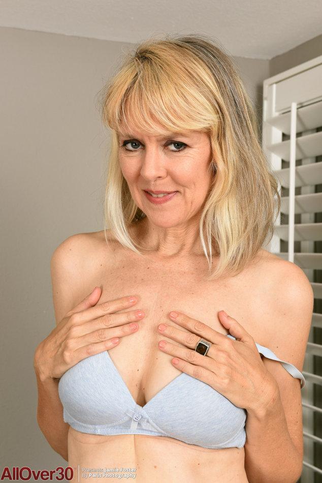 Nude girls voluptuous breast