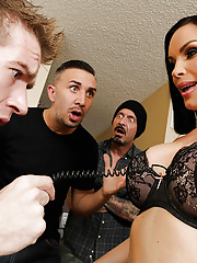 Hot mom Diamond Foxxx gets two cocks for a birthday gangbang