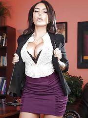 Hot office boss lady MILF Lela Star in irresistible sexy lingerie