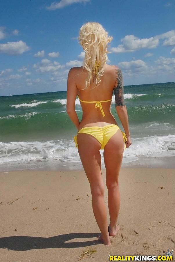 Beach milf with great body