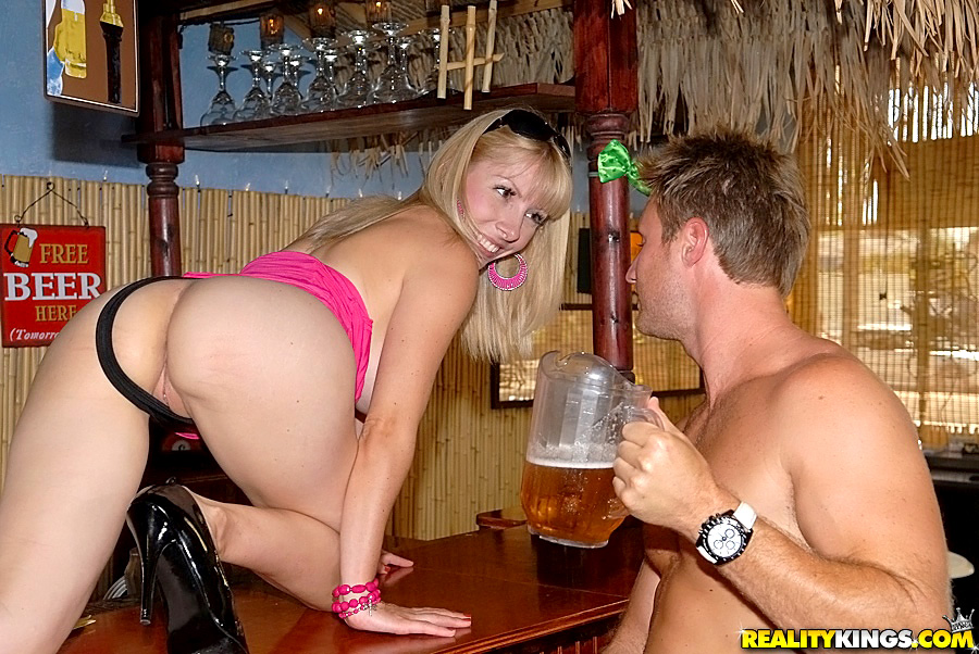 Amateur cheating wife sandy fucking behind the bar