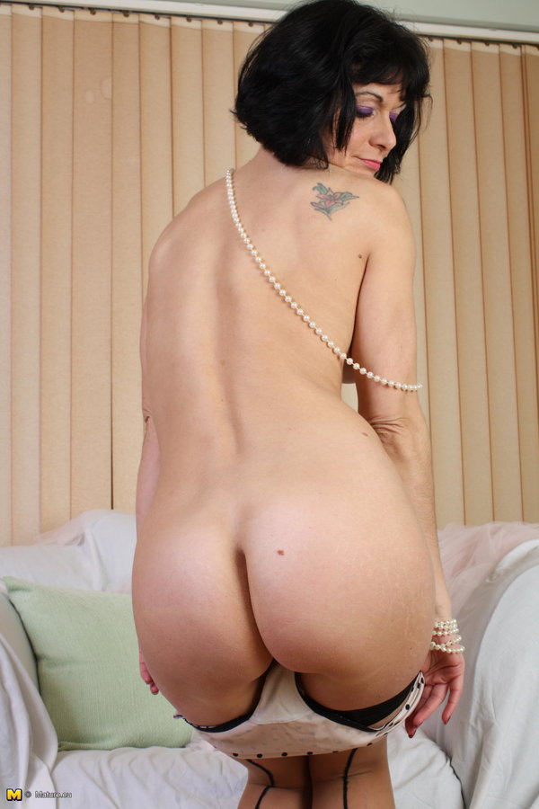 Mature Nl Kinky Mature Lady Spreading Everything For You -9632