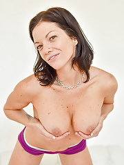 Lynn a workout milf showing her nipples for you
