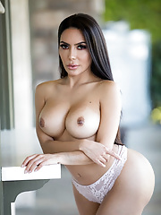 Massive ass Latina Lela Star nailed and jizzed over her pretty face