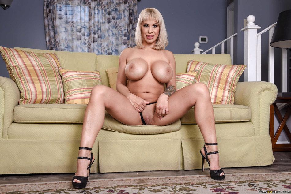 Big Tits Pussy Eating Orgy