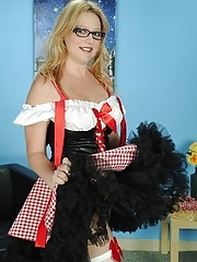 Mature babe Sable Knight plays Little Red Riding Hood