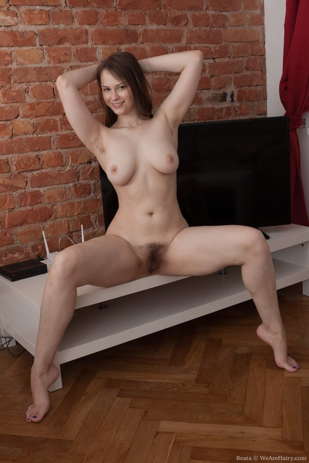 Hairy Amateur Beata 1