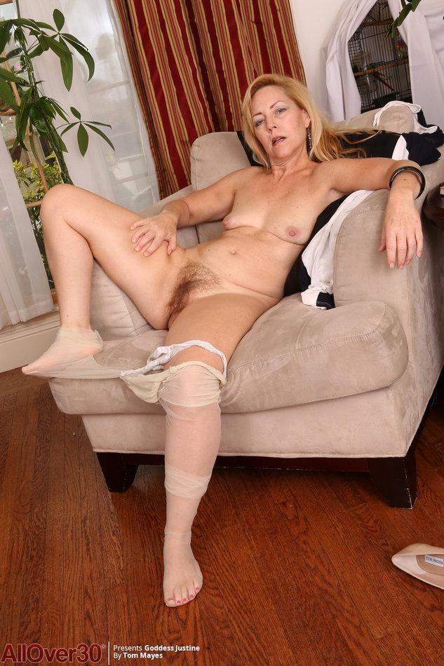 Mature Blonde Naked Women