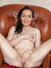 Mature Di Devi showing naked pussy and sexy ass
