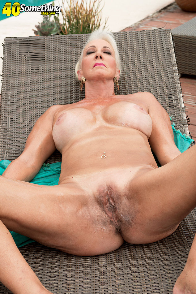 40 Something Mag Mature Gilf Uncovers Her Big Natural -5608